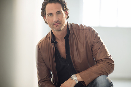 Tenor James Valenti